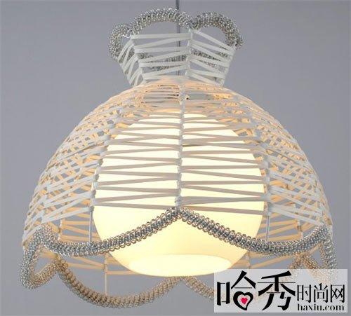 首页 家居设计    可爱别致的茶壶造型吊灯,不仅创意满分,放在家居中