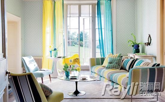 客厅:条纹沙发